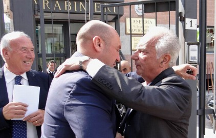 L'abbraccio tra Cozzani e Dal Molin