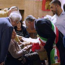 La Spezia, 6 ottobre 2017 sabato 7 ottobre il Sindaco della Spezia Pierluigi Peracchini alla tradizionale Festa organizzata dall'Assessorato alle Politiche Sociali in onore dei cittadini centenari e ultracentenari.